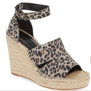 NEW Treasure & Bond Leopard Print Wedges